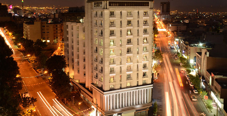 هتل مروارید در مرکز شهر